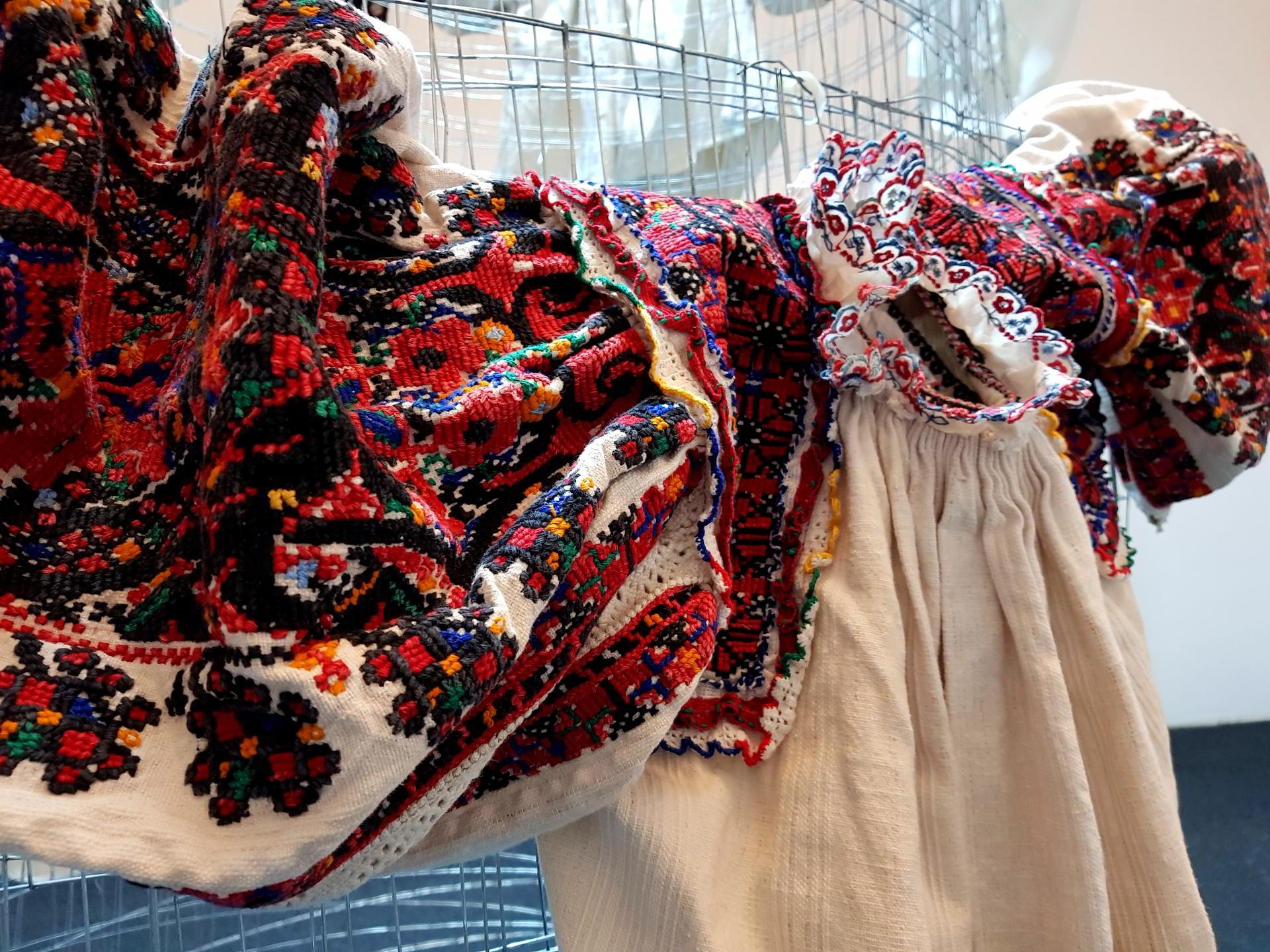 Ziua Universală a Iei. În Dobrogea, nu s-au purtat ii, ci cămăși tradiționale cu căptuf