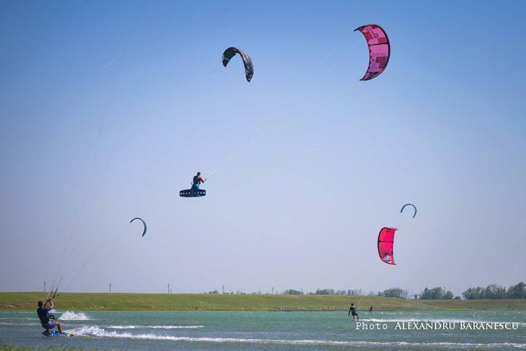 kitesurfing-kiteboarding
