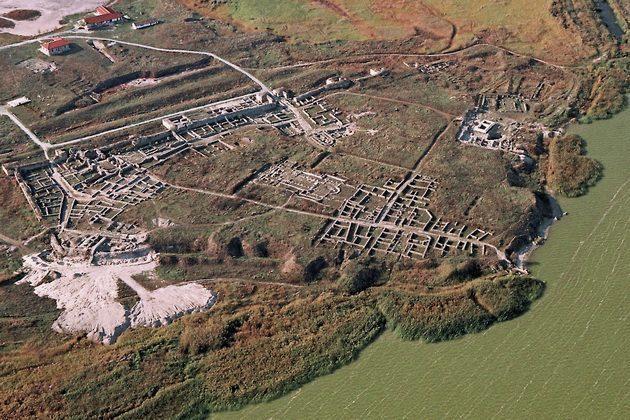 histria-primul-regim-democratic-din-romania-Cetatea-istria