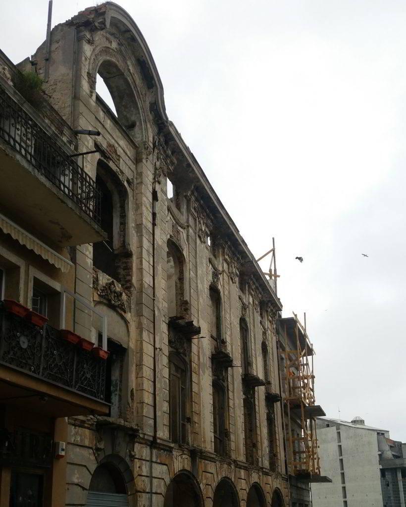 Hotel Marea Neagra demolat