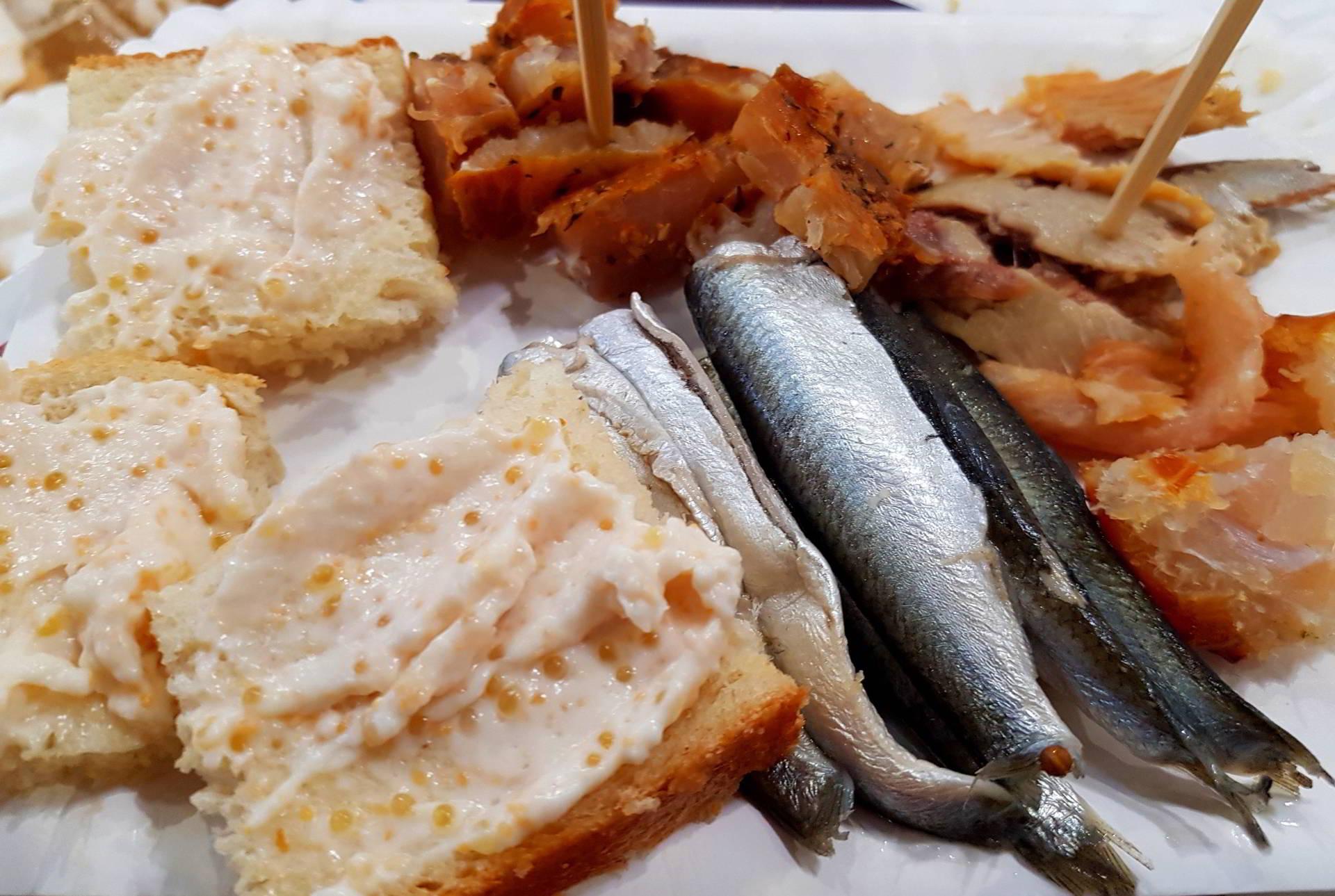 Județul Tulcea rupe gura Târgului de Turism, prin naturalețe, gastronomie și tradiții