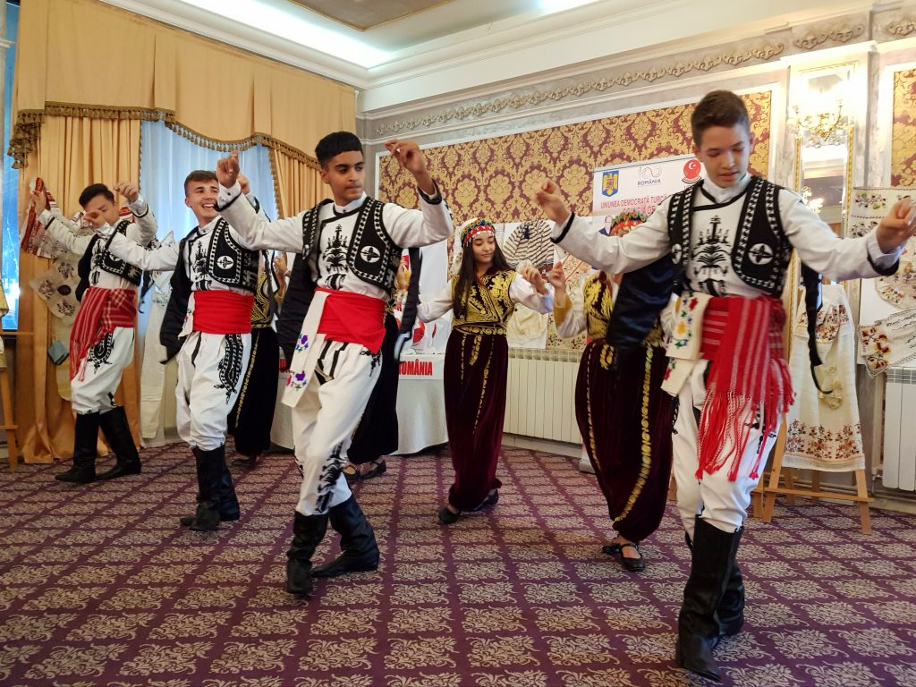 ansamblu-turci-traditii-constanta