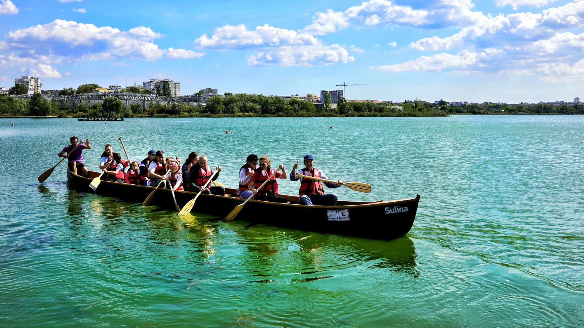 Ivan Patzaichin i-a încurajat pe constănțeni să se plimbe cu canotca pe Lacul Siutghiol