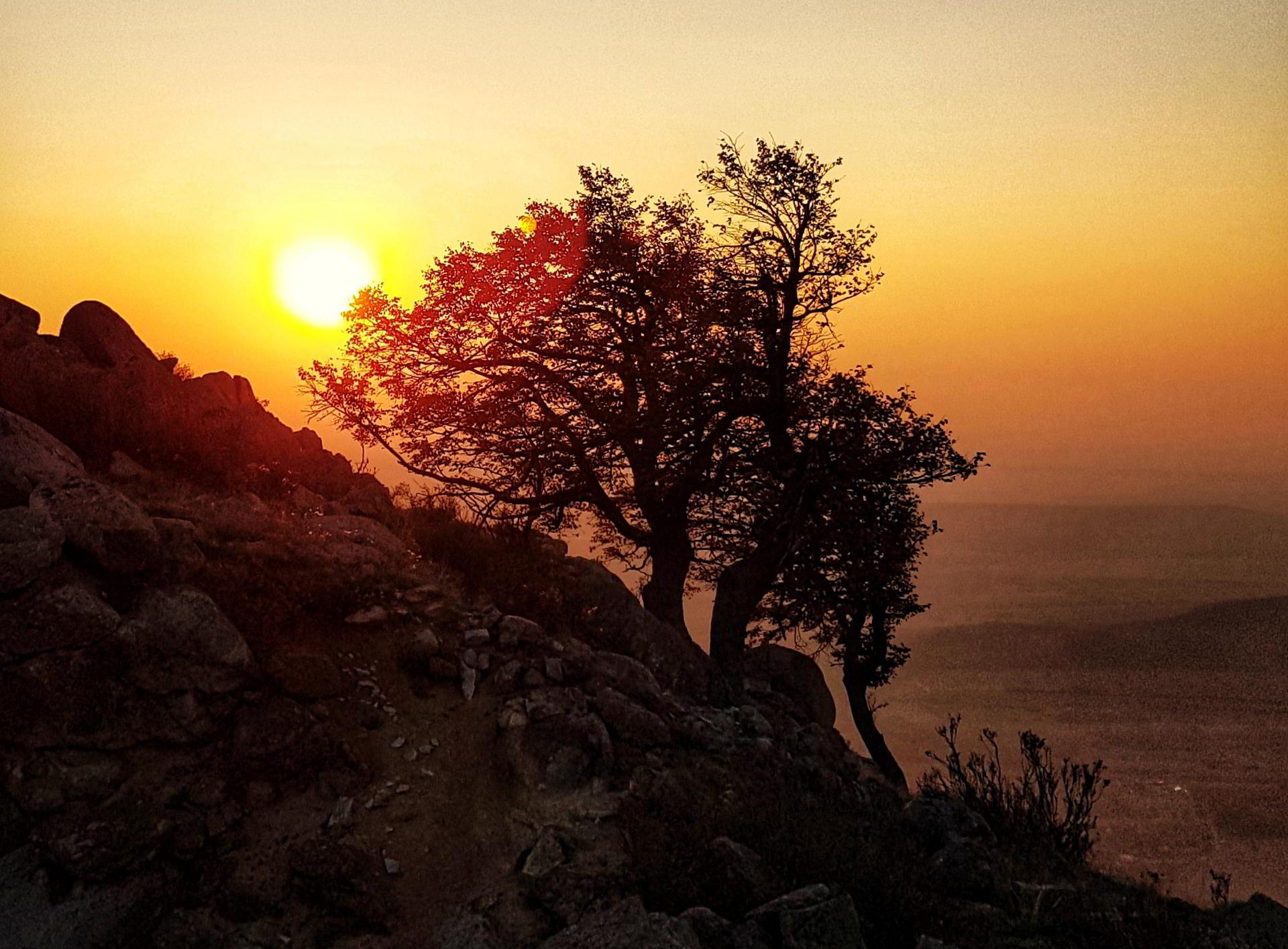 În Munții Măcinului sunt 6 trasee noi pentru turiștii dornici de drumeții
