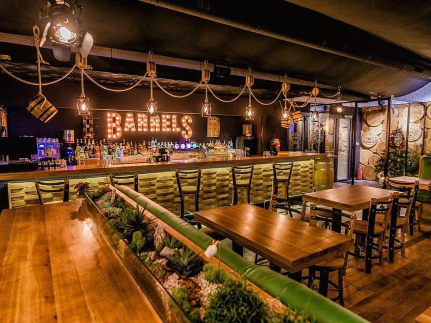 Barrels Pub Mamaia