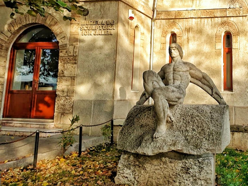 Ion Jalea, muzeul dedicat artistului care a sculptat cu o singură mână