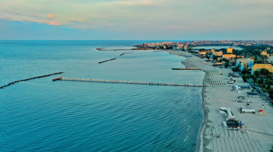 Vacanțele pe litoralul românesc se ieftinesc