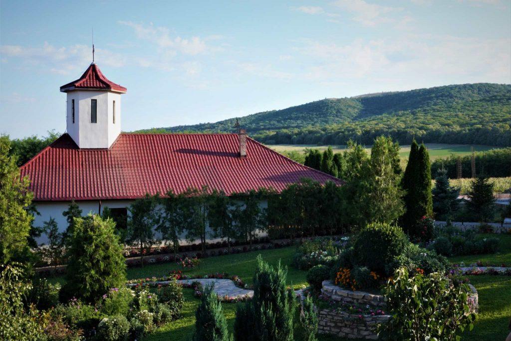 manastirea-valea-teilor-tulcea