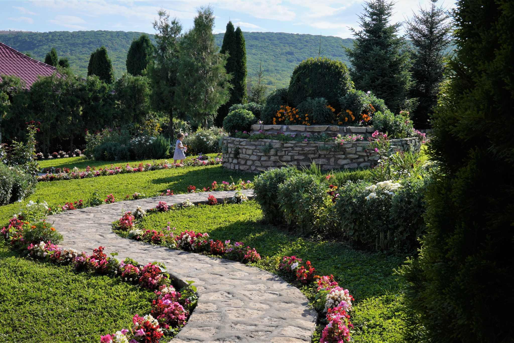 Mânăstirea Valea Teilor, locul de poveste ascuns printre munții Dobrogei