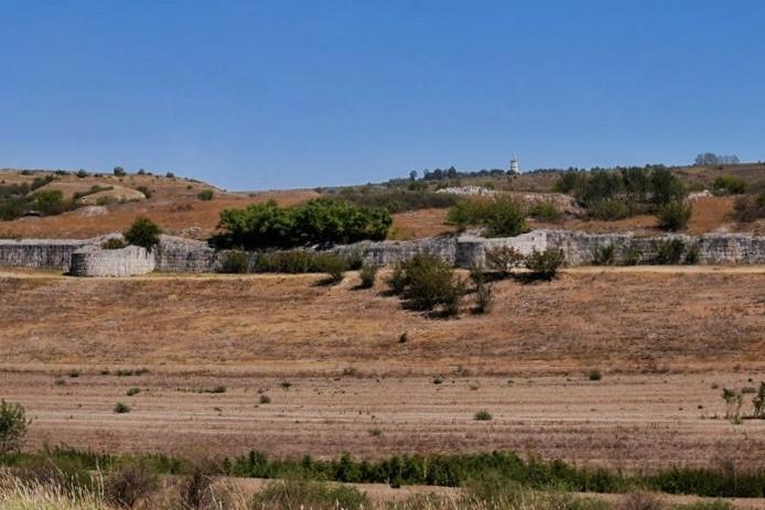 zid-incinta-cetatea-troapeum-traiani-adamclisi