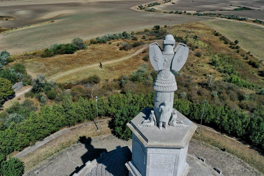 monumentul-tropaeum-traiani-adamclisi