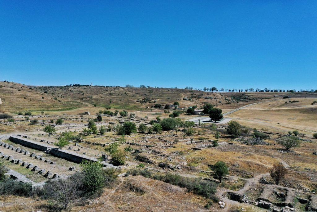 cetatea-tropaeum-traiani-adamclisi-vedere-drona-fotografie-aeriana