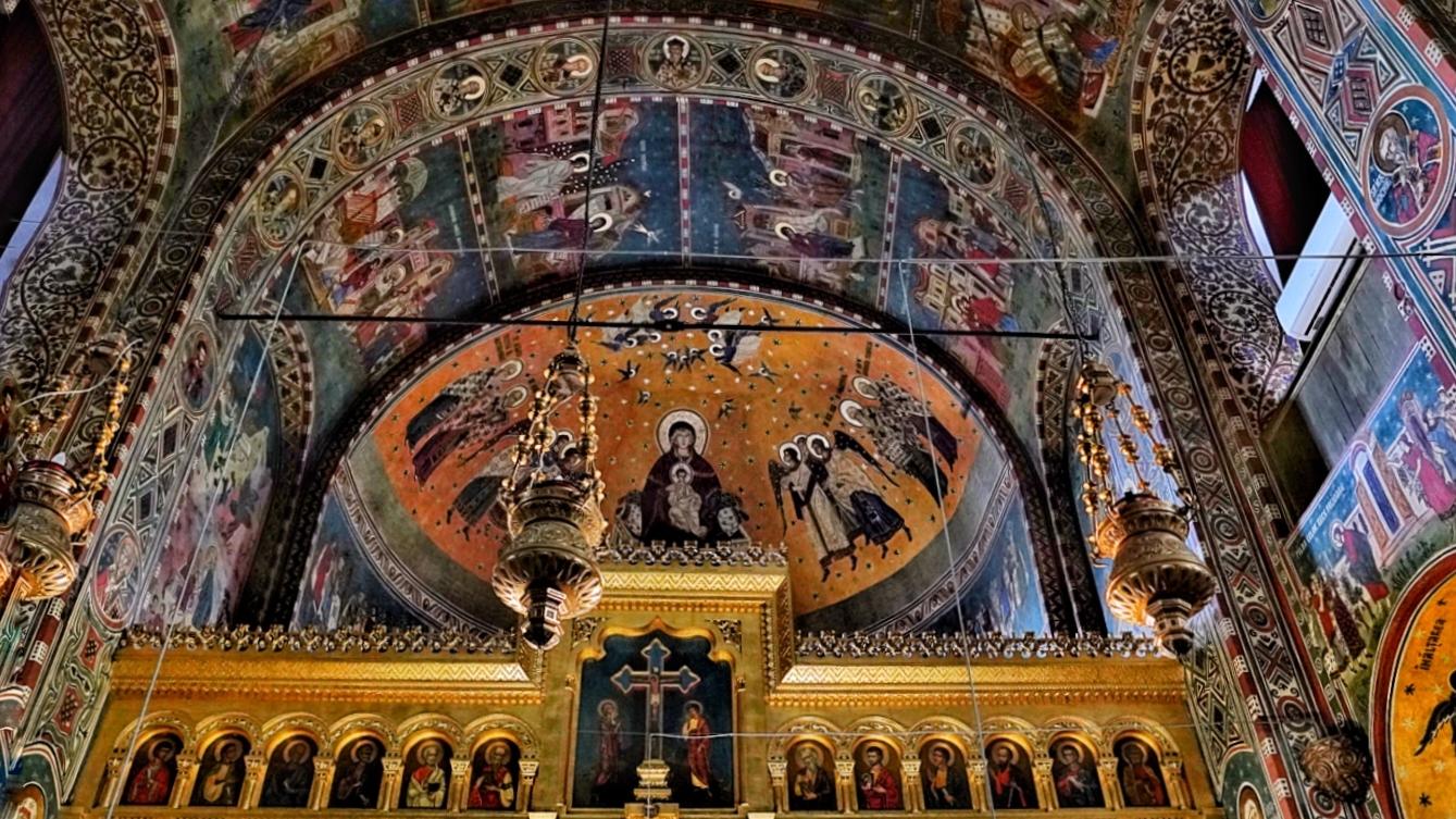 Catedrala din Constanța și poveștile ei. Picturile au fost refăcute, după ce un artist și-a pictat iubita ca fiind muceniță
