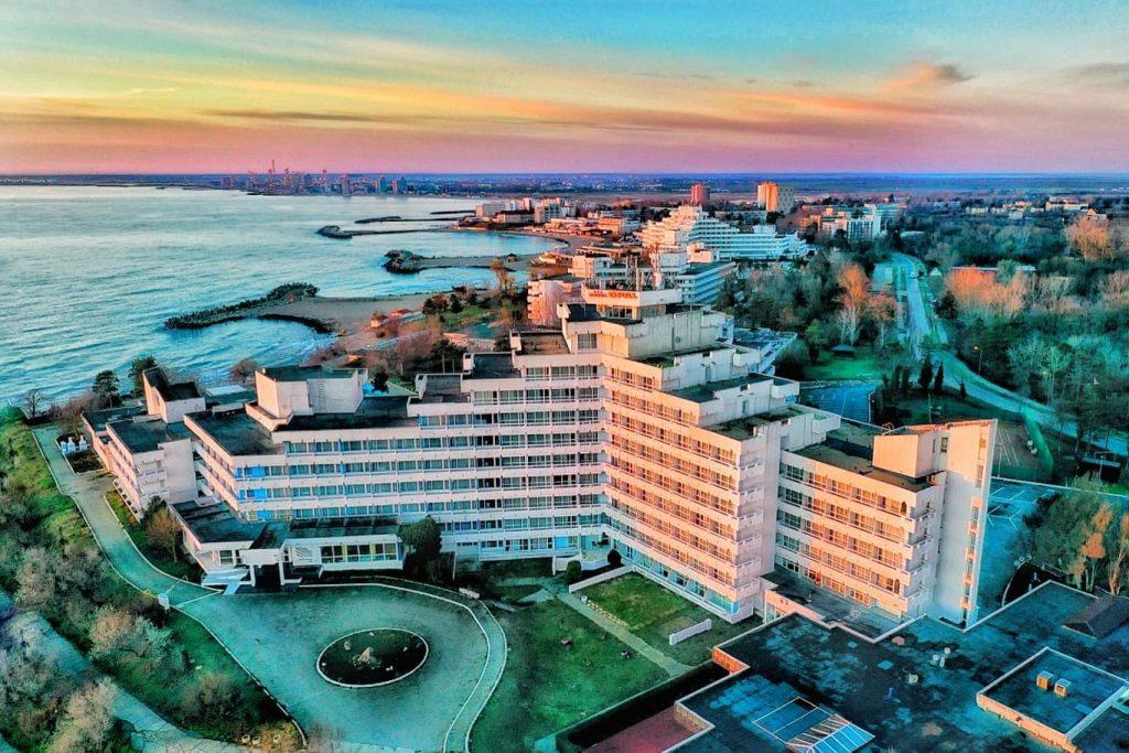 arhitectura-litoralul-romanesc-hotel-opal-cap-aurora
