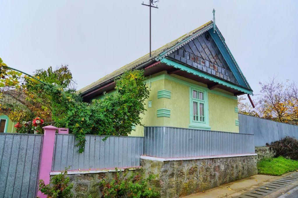 casele-colorate-ale-rusilor-lipoveni-din-dobrogea