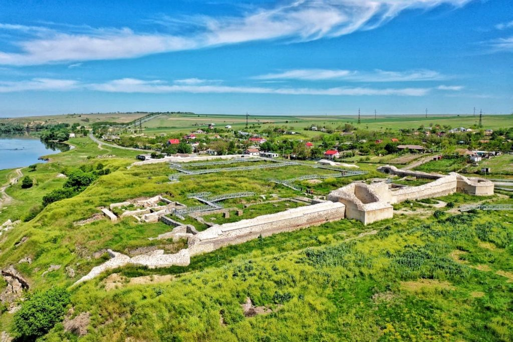 cetatea-capidava-construita-in-perioada-imparatului-traian