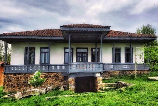 casa-traditionala-dobrogeana-manastirea-dervent-muzeul-satului-dobrogean