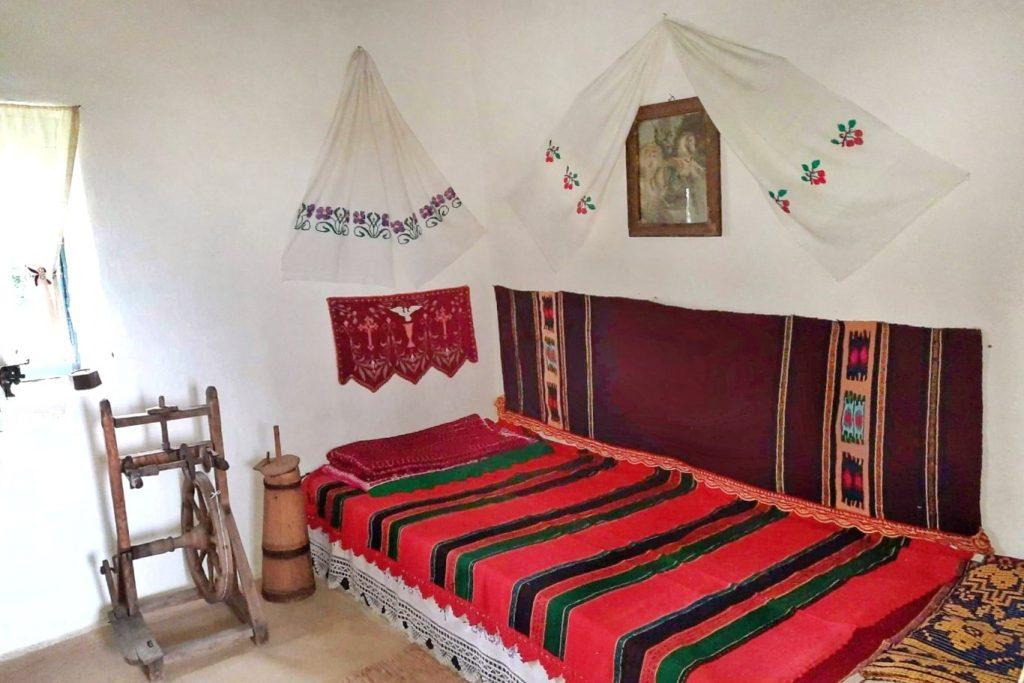 casa-autentica-dobrogeana-manastirea-dervent-muzeul-satului-dobrogean