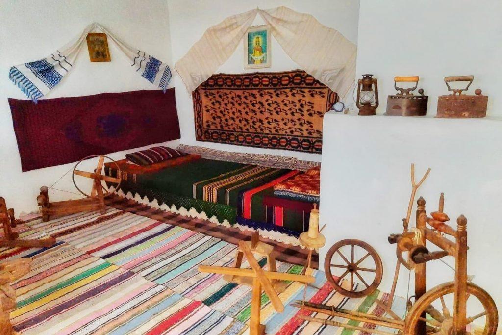 casa-traditionala-dobrogeana-muzeul-satului-dobrogean-manastirea-dervent