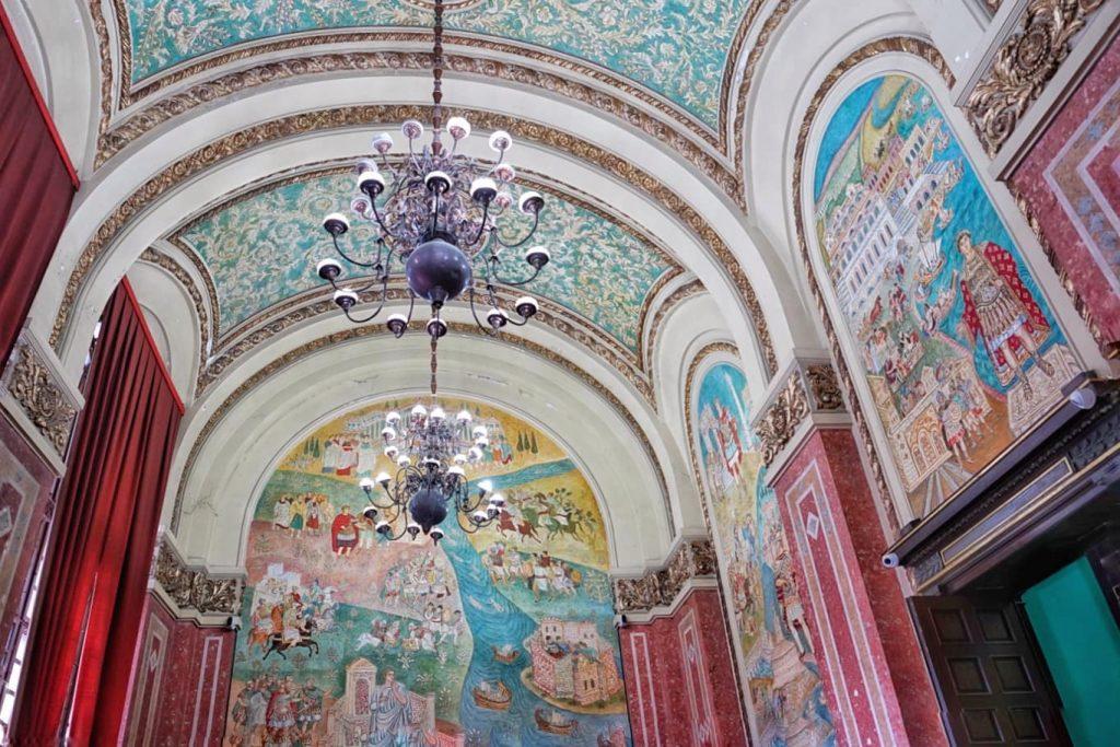 sala-pictata-muzeul-de-istorie