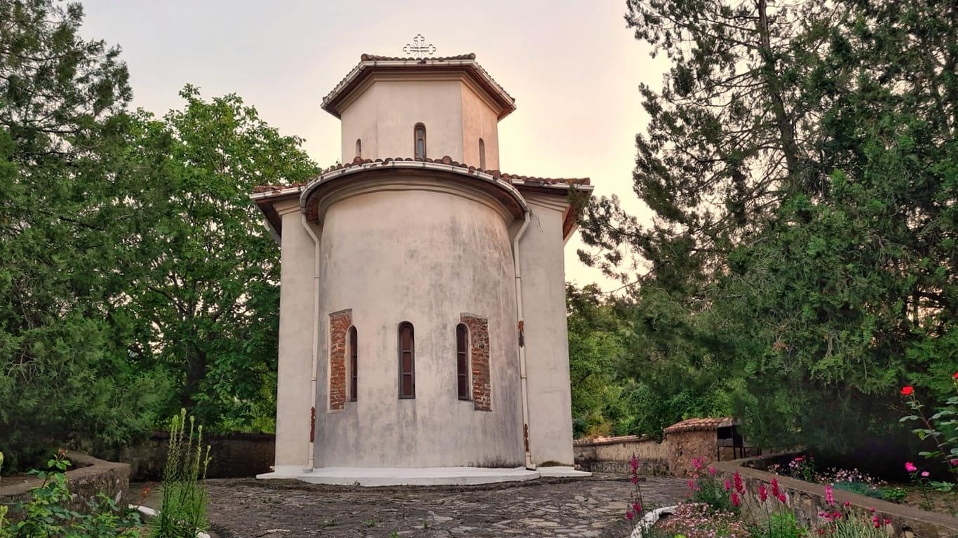 Biserica Sf. Atanasie de la Niculițel, singurul monument creștin medieval din Dobrogea