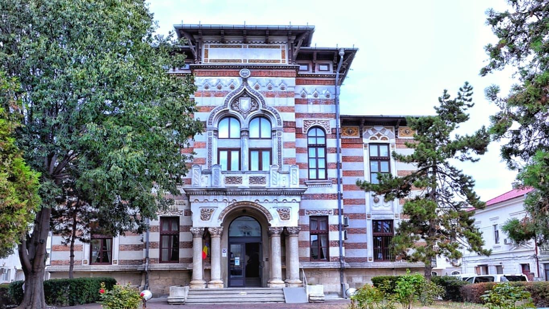 Muzeul de Artă Populară Constanța, primul Palat Comunal, un imobil cu povești frumoase