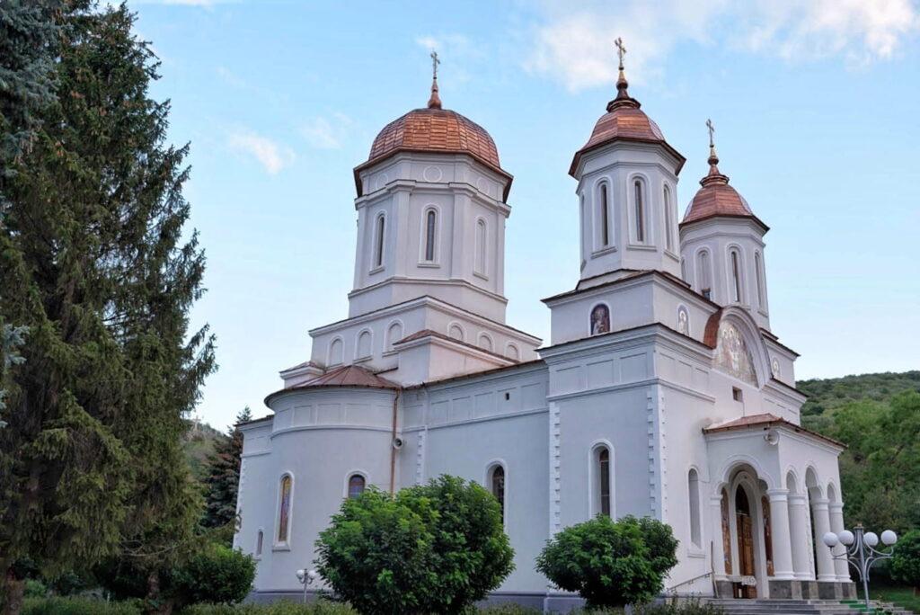 manastirea-cocos-dobrogea-de-nord-judetul-tulcea