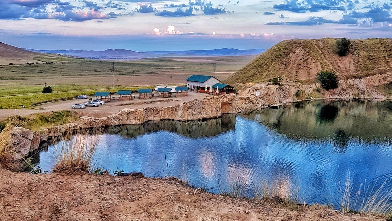 Iacobdeal, lacul de smarald al Dobrogei, unic în Europa